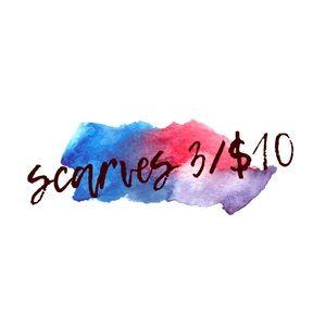 💋 3/$10 SCARF SALE!